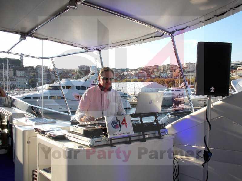 festa-yatch-barca-dj